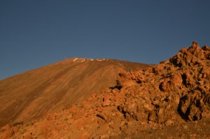 Le volcan Teide (3718m) au levé du soleil<br> Parc national du Teide<br> Île de Tenerife (Islas Canarias)