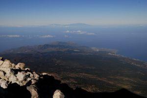 Le massif du Teno et l'île de La Palma depuis le point de vue du sommet du Teide<br> Parc national du Teide<br> Île de Tenerife (Islas Canarias)