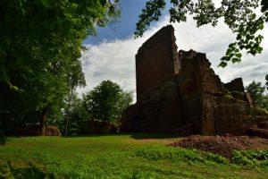 Ruines du château neuf de Windstein<br> Parc Naturel Régional des Vosges du Nord