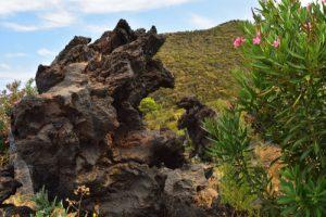 Les projections de lave en forme de monstres de Valle dei Mostri<br> Île de Vulcano<br> Île éoliennes