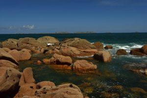 Les 7 Îles depuis l'Île Renote<br> La Côte de granite rose