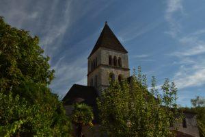 Le Village de Saint-Léon-sur-Vézève<br> Vallée de la rivière La Vézève<br> Réserve de Biosphère du Bassin de la Dordogne