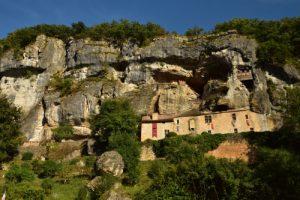 La Maison forte de Reignac<br> Vallée de la rivière La Vézève<br> Réserve de Biosphère du Bassin de la Dordogne