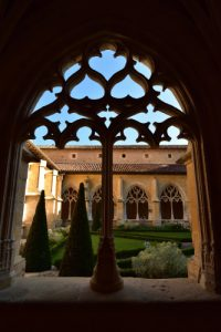 Cloître de l'Abbaye de Cadouin<br> Réserve de Biosphère du Bassin de la Dordogne