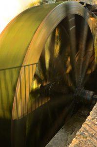 Roue à augets du Moulin de Russon<br>  Réserve de Marne &amp; Gondoire