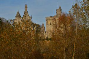 Le Donjon de Vez du XIVe siècle<br> La Vallée de l'Automne