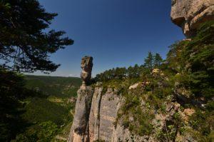 Le vase de Sèvres de la corniche des gorges de la Jonte<br> Le Causse Méjean<br> Parc Naturel National des Cévennes