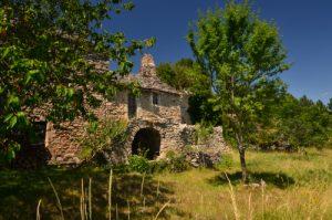 Le village caussenard de Cassagne<br> Le Causse Méjean<br> Parc Naturel National des Cévennes