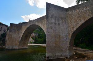 Pont romain du village de Sainte-Enimie<br> Les gorges du Tarn<br> Parc Naturel National des Cévennes