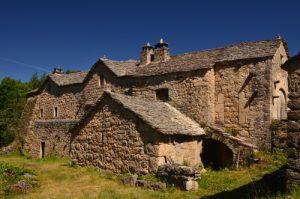 Le village caussenard de La Roujarie<br> Le Causse Noir<br> Parc Naturel Régional des Grands Causses