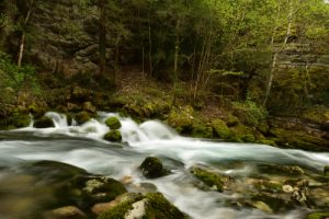 Résurgence de la rivière Archiane<br> Le Cirque d'Archiane<br> Parc Naturel Régional du Vercors