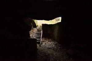 Grotte du Serment : Dernière Folie de Denecourt (DFD) en 1853<br> Sentier Denecourt n°8<br> Rochers &amp; Platières des Gorges du Houx<br> Forêt domaniale de Fontainebleau