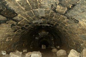 La Tour-au-Grain et ses souterrains : la Cave du Diable<br> Forêt domaniale de Retz