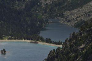 Vue sur le Lac d'Aubert depuis le col de Hourquette d'Aubert<br> Réserve Naturelle Nationale de Néouvielle<br> Haute vallée du Gave de Pau<br> Parc Naturel National des Pyrénées