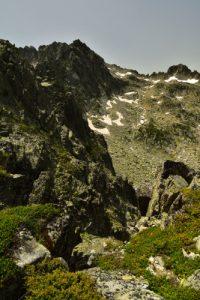 Vue sur le Pic de la Mourèle depuis le col de Hourquette d'Aubert<br> Réserve Naturelle Nationale de Néouvielle<br> Haute vallée du Gave de Pau<br> Parc Naturel National des Pyrénées